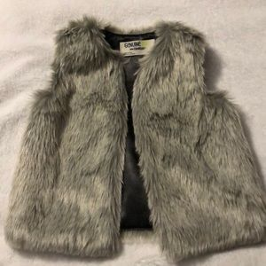 Girls fake fur vest
